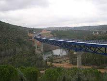 Terminación de viaducto sobre el río guadiana